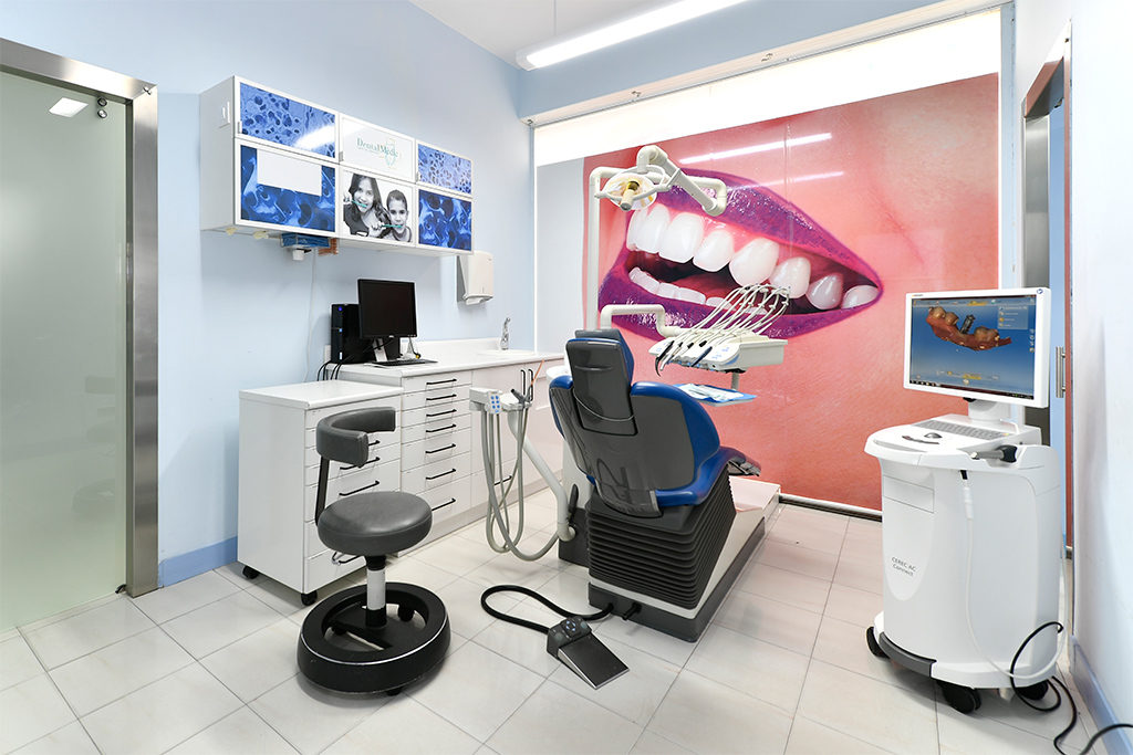 clínica dental en Sant Just Desvern